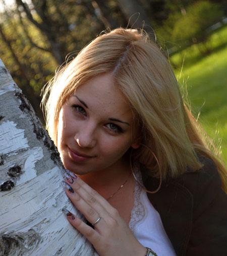 Beautiful white girls - Datingukraineonline.com