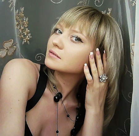 Datingukraineonline.com - Cute lady