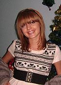 Young women meeting - Datingukraineonline.com